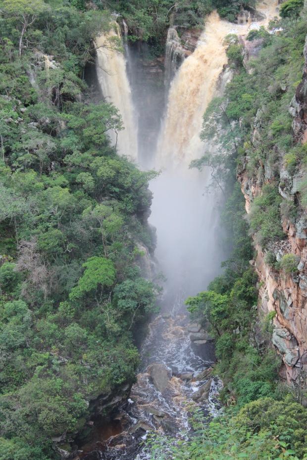 Cachoeira do Mosquito tem aproximadamente 60m e leva esse nome porque lá foram encontrados diamantes pequenos ou